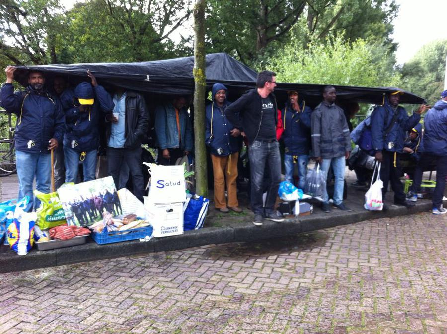 We ARE HERE - eviction 'Vluchtschool'